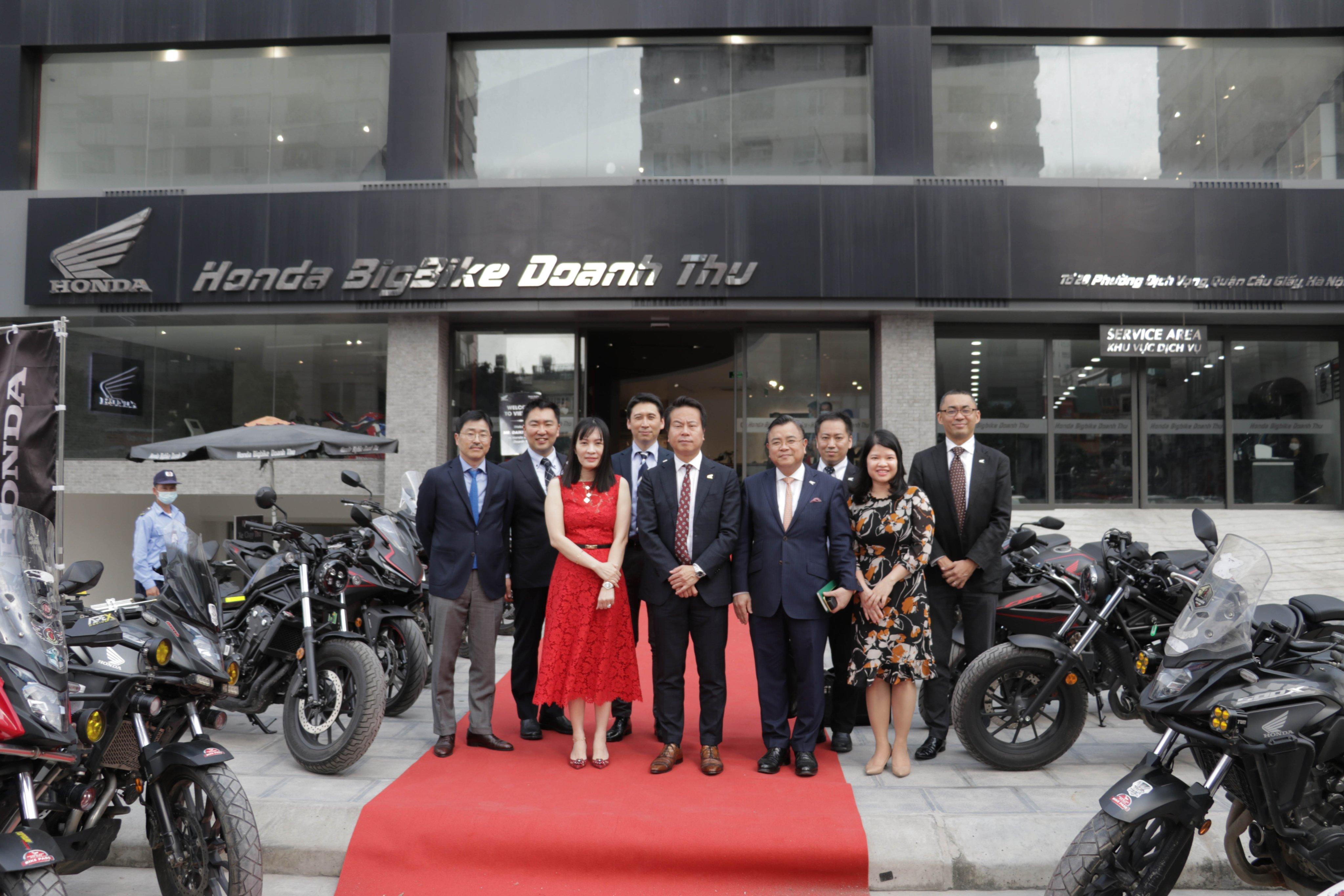 Lễ đón tân chủ tịch và đoàn lãnh đạo cấp cao Honda Việt Nam tại Honda BigBike Doanh Thu